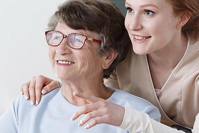 Cuidadoras de mayores o dependientes