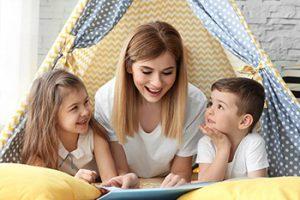 Cuidadoras de niños y Educadoras infantiles